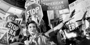 Odkaz antifeministky Phyllis Schlaflyové: Žena není rovná muži