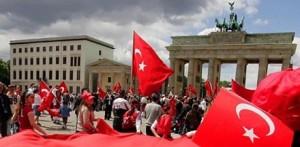 Matyáš Zrno v ČRoPlus o Turcích v Německu