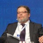 """Co vlastně """"konzervuje"""" český konzervatismus? Rozhovor s Alexandrem Vondrou"""